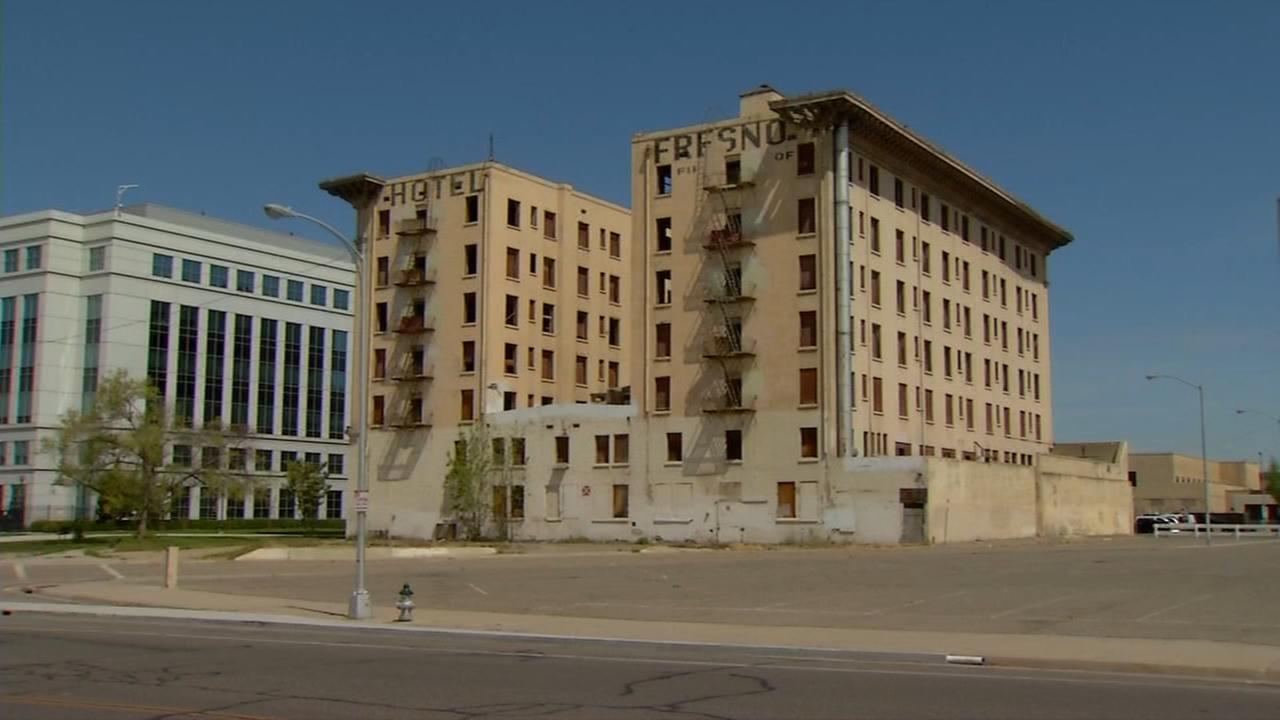 Woman suing iconic hotel Fresno building owners after she got hurt while trespassing