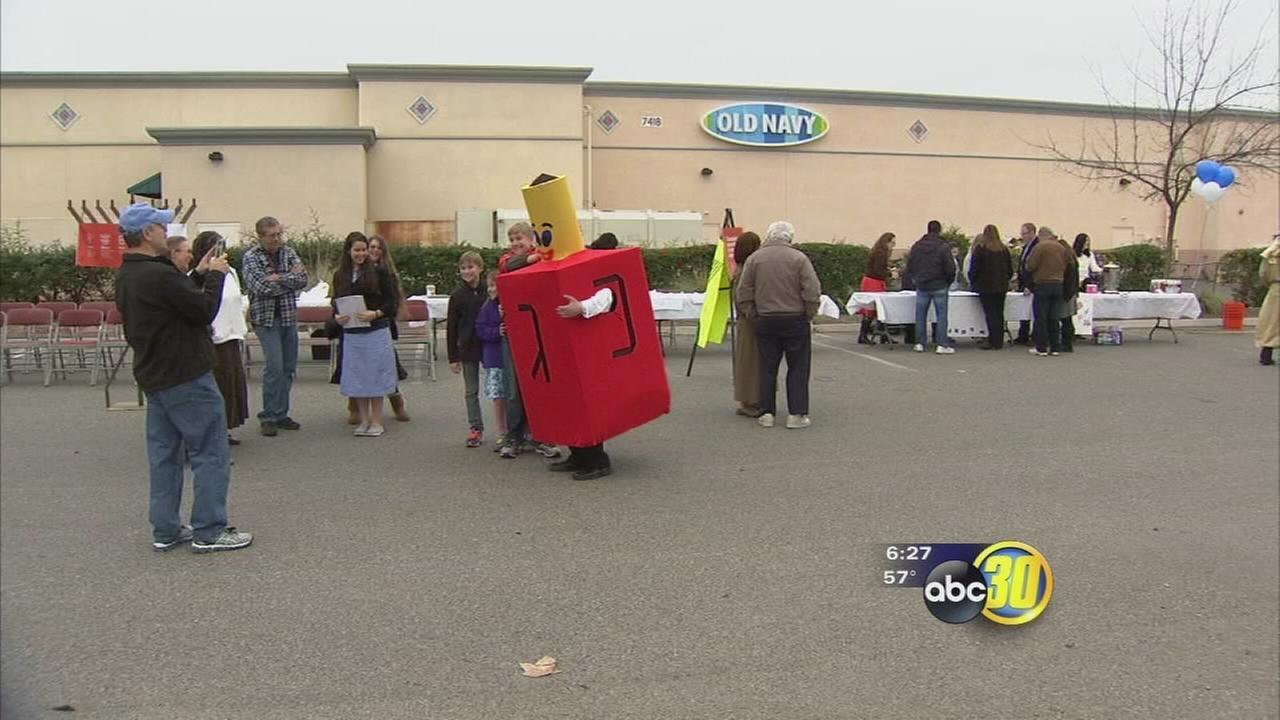 6th day of Hanukkah celebrated in North Fresno