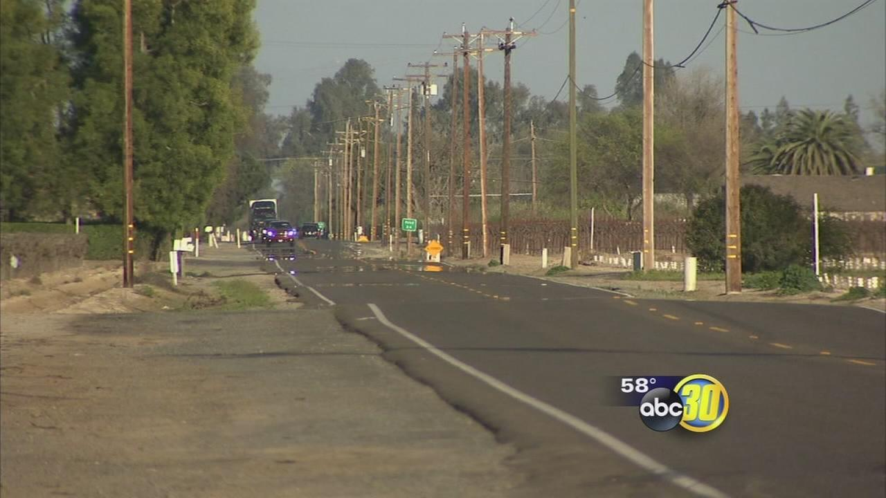 Head-on crash near Kingsburg leaves teenage girl in critical condition