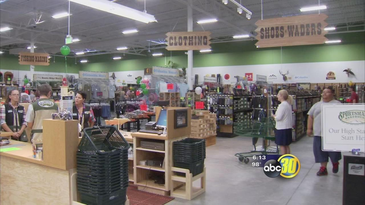 Sportsmans Warehouse holds grand opening in Northeast Fresno