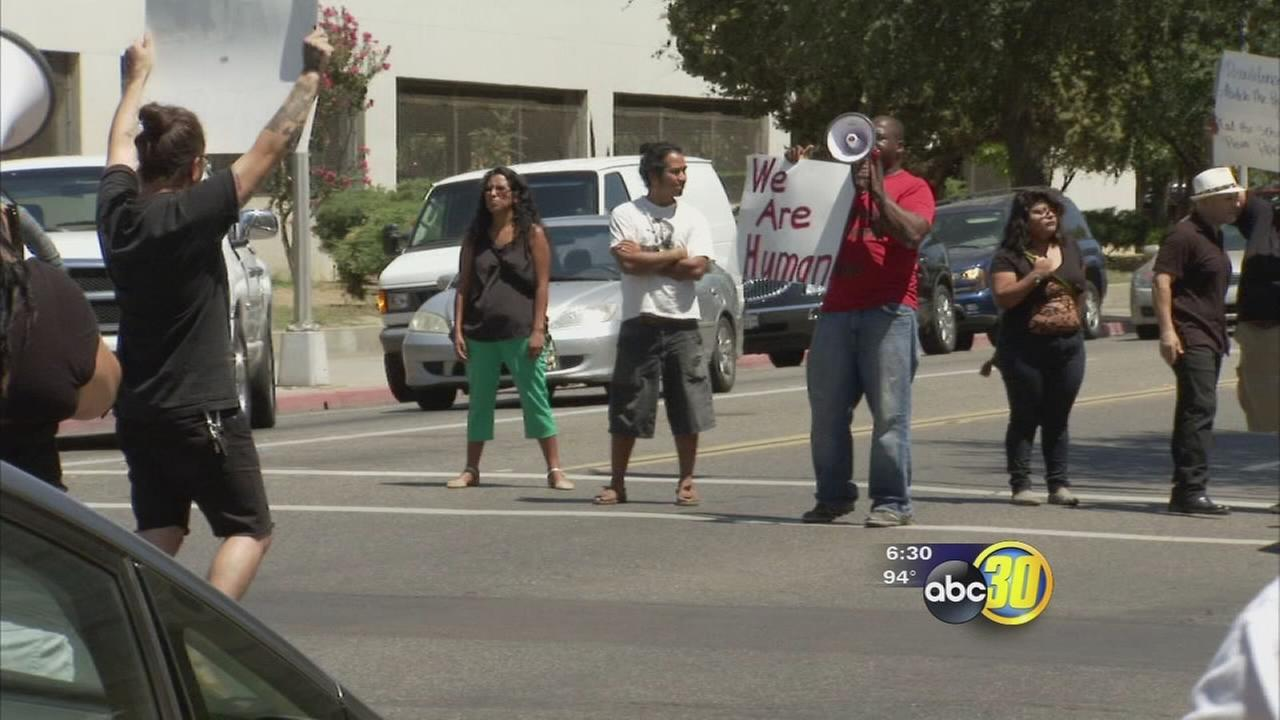 Fresno protesters show solidarity with Ferguson