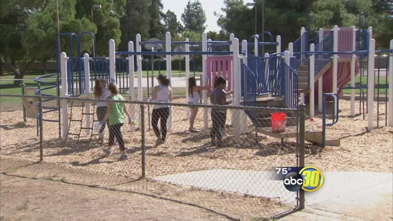 Fresno State students spruce up Logan Park