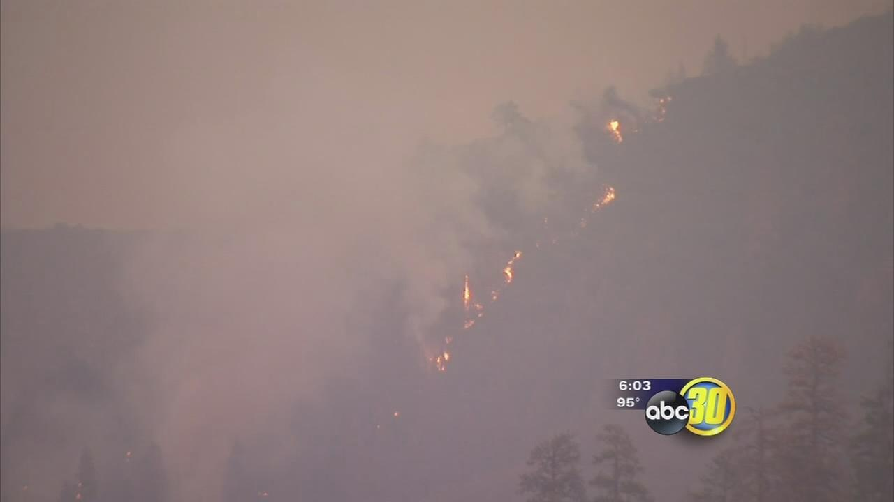 Smoke from Rough Fire covers mountains, settles in Valley