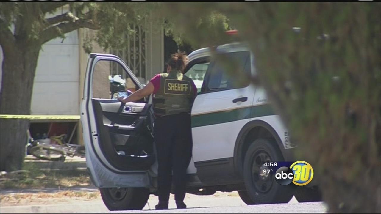 Fresno County Sheriffs deputies investigate a homicide in Mendota