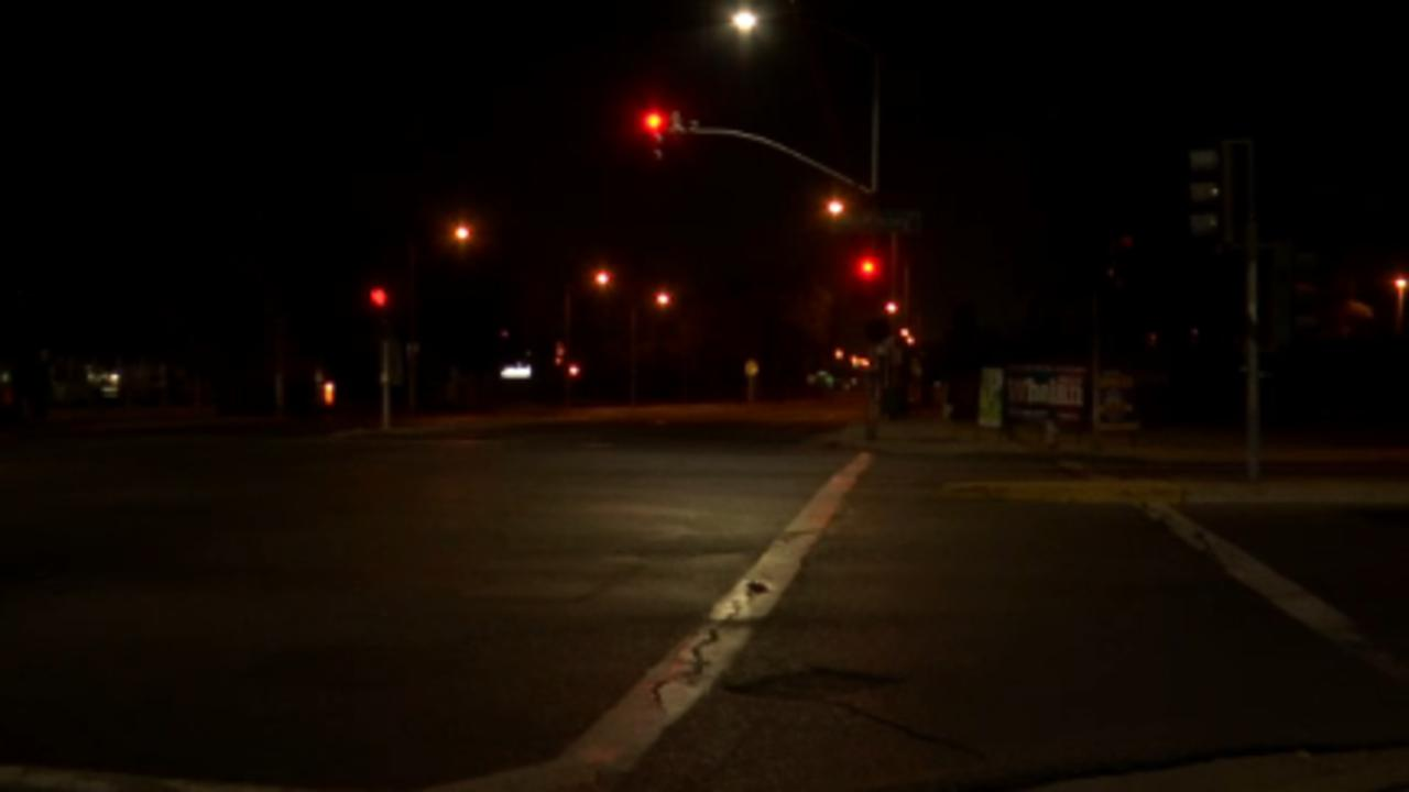Central Fresno traffic light knocked out by impaired driver, police say