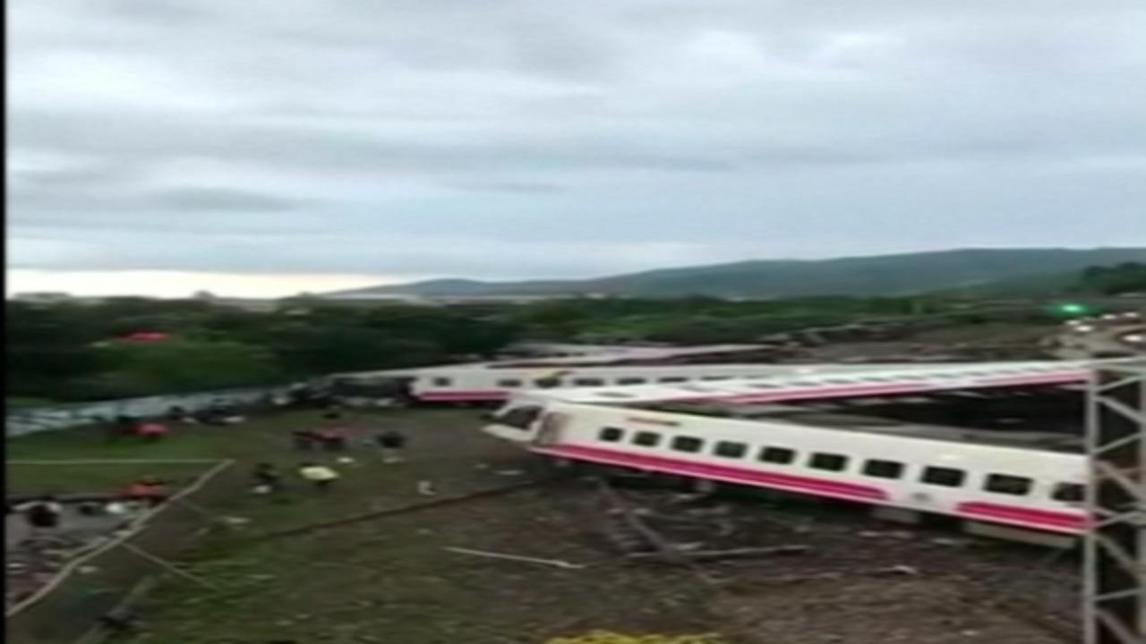 Taiwan passenger train derails, killing at least 18 people
