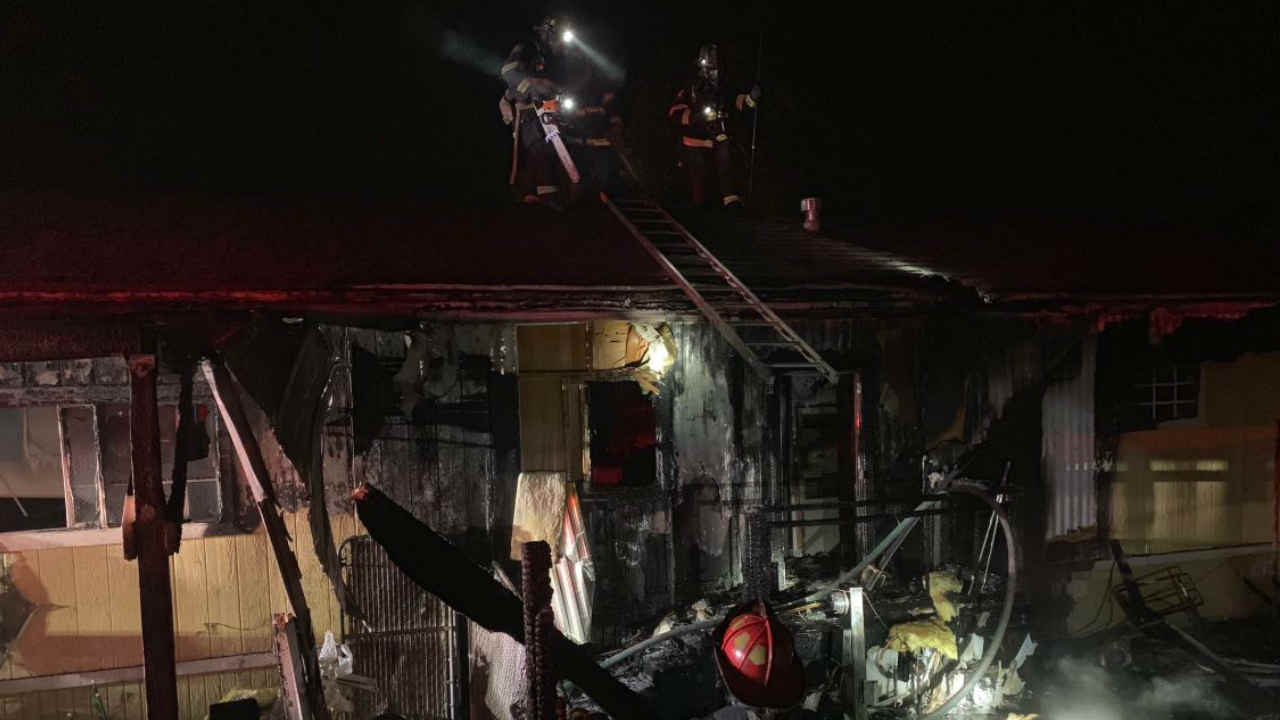 Damage from a fire is seen at a mobile home park in Vallejo, Calif. on Sunday, Jan. 6, 2019.