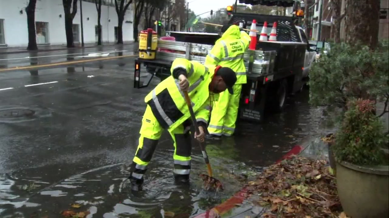 Crews respond to flooding on S. Main Street in Walnut Creek, Calif. on Thursday, Jan. 17, 2019.