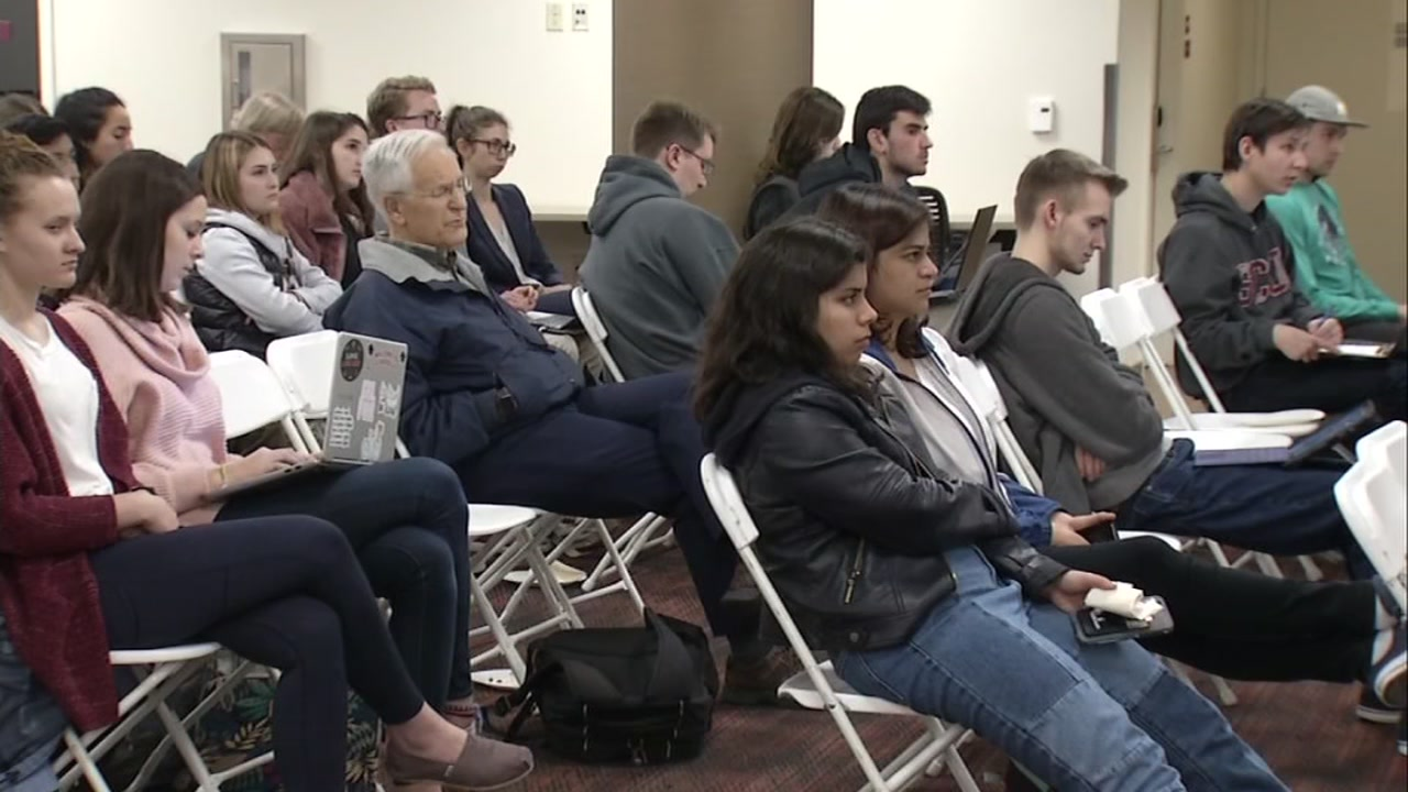 College students at Santa Clara University came together to watch the State of the Union address. Tuesday, Feb 5, 2019