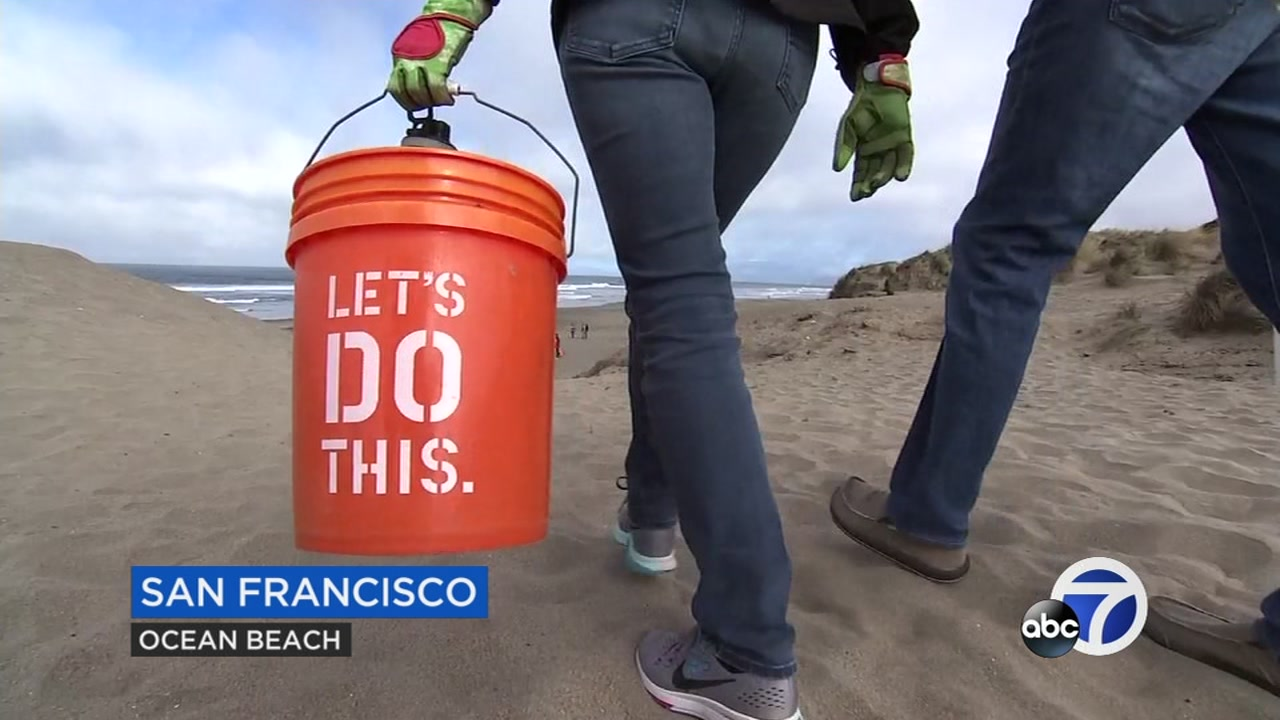 Volunteers participated in the Coastal Cleanup Day 2018 at Ocean Beach in San Francisco on Sept. 15, 2018.