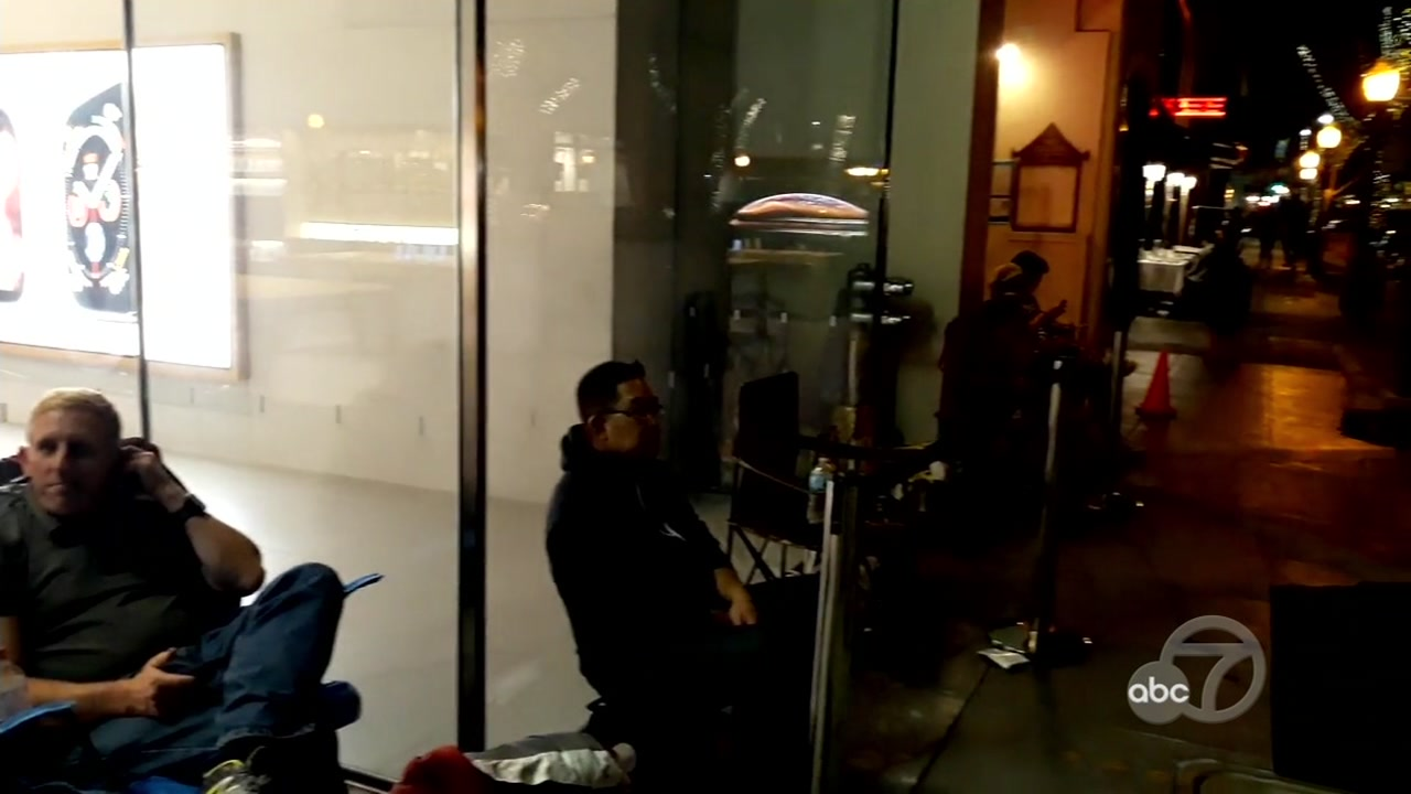 Line at Apple store in Palo Alto, California on Friday, September 21, 2018.