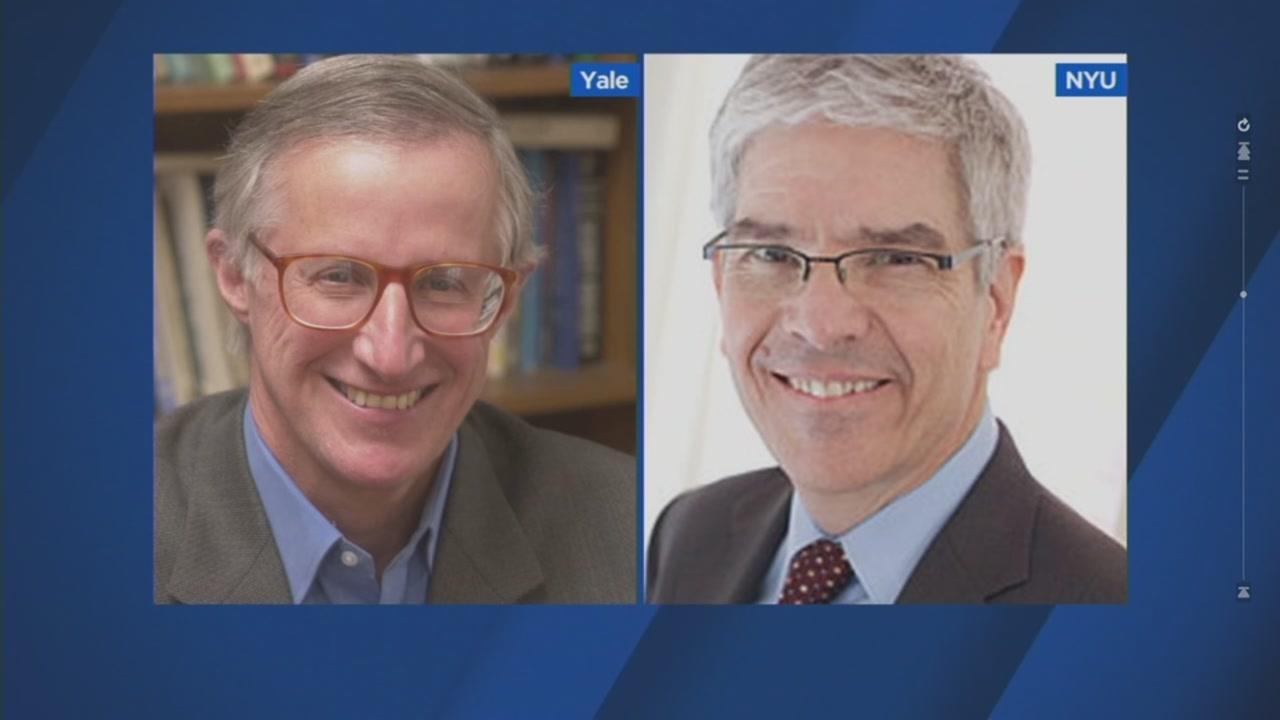 Yale University Professor William Nordhaus (left) and New York University Professor Paul Romer (right)