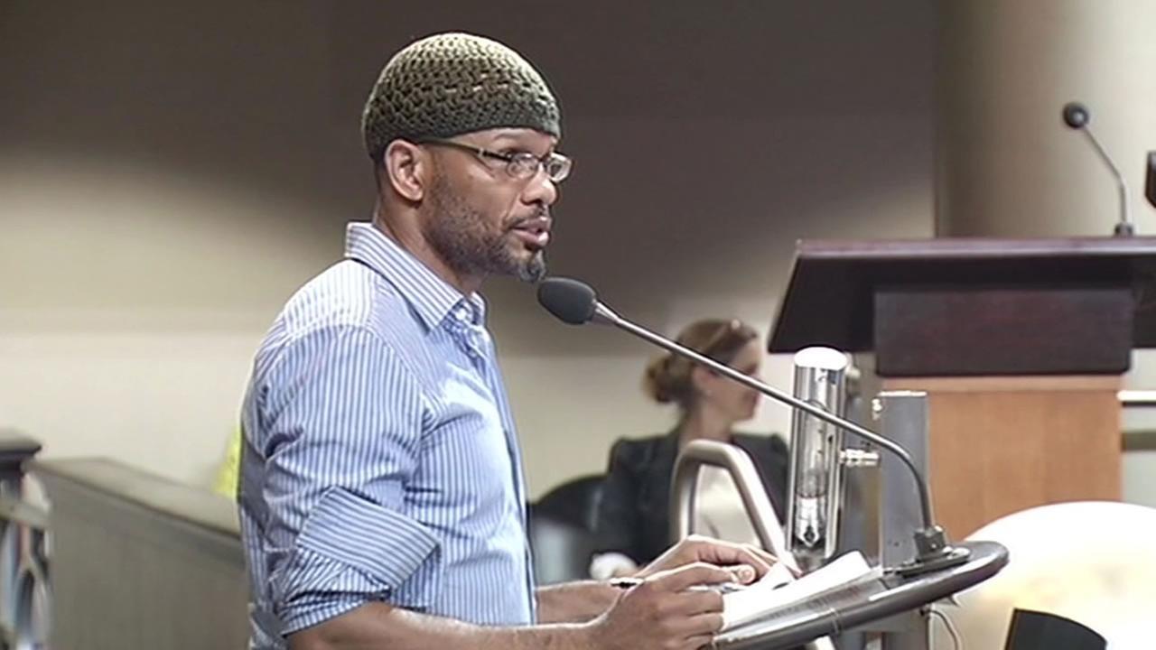 Oakland resident Senai Kidane spoke at the meeting