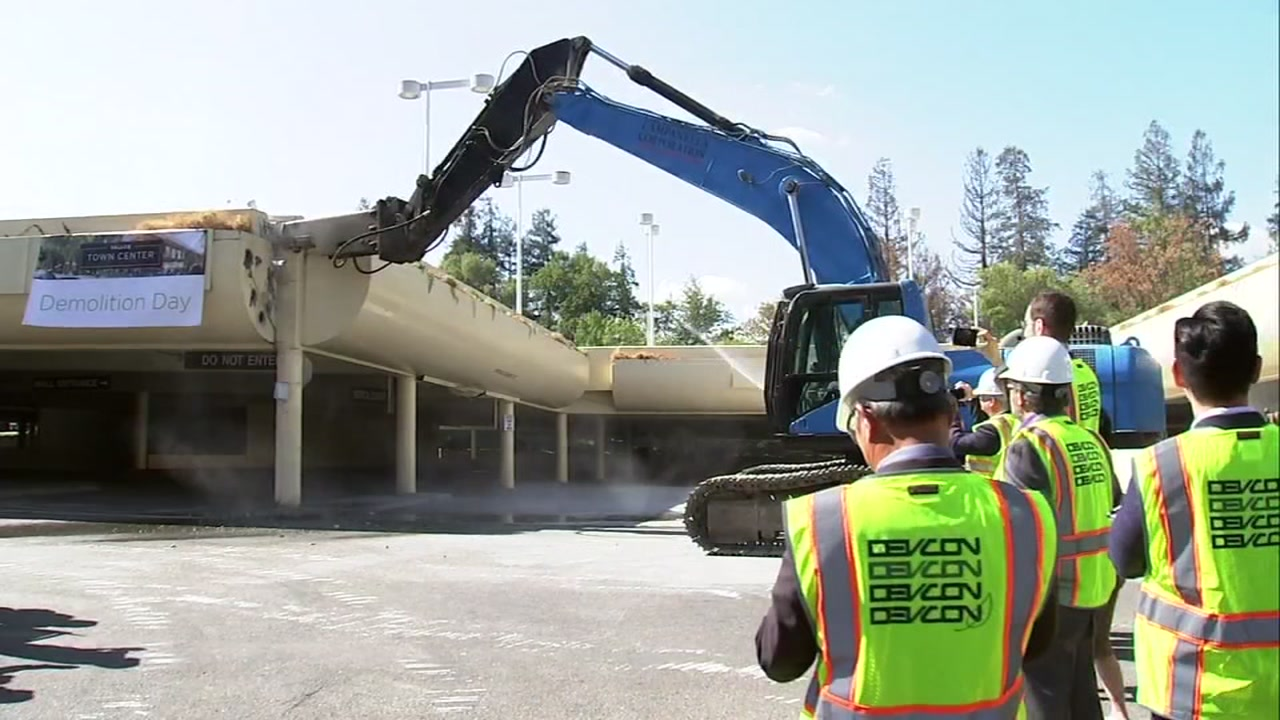 Demolition begins at Vallco mall site in Cupertino