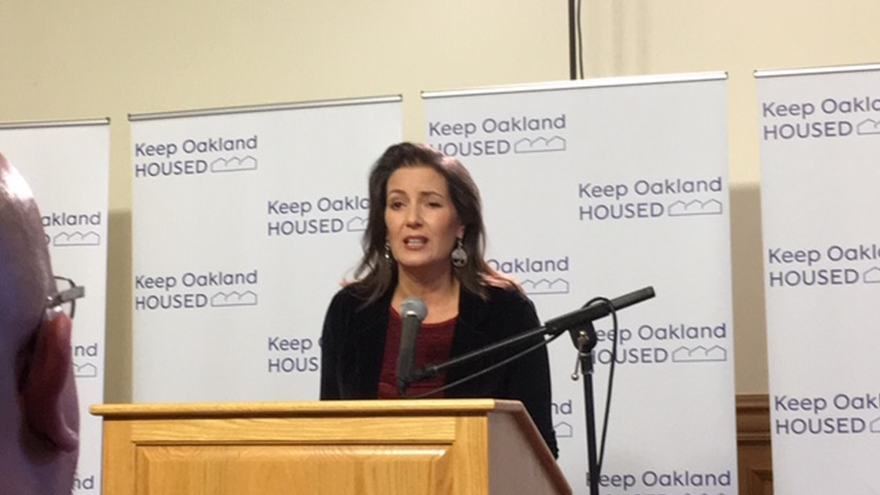 Mayor Libby Schaaf unveils a plan to stem the tide of residents descending into homelessness in Oakland, Calif. on Monday, Oct. 15, 2018.