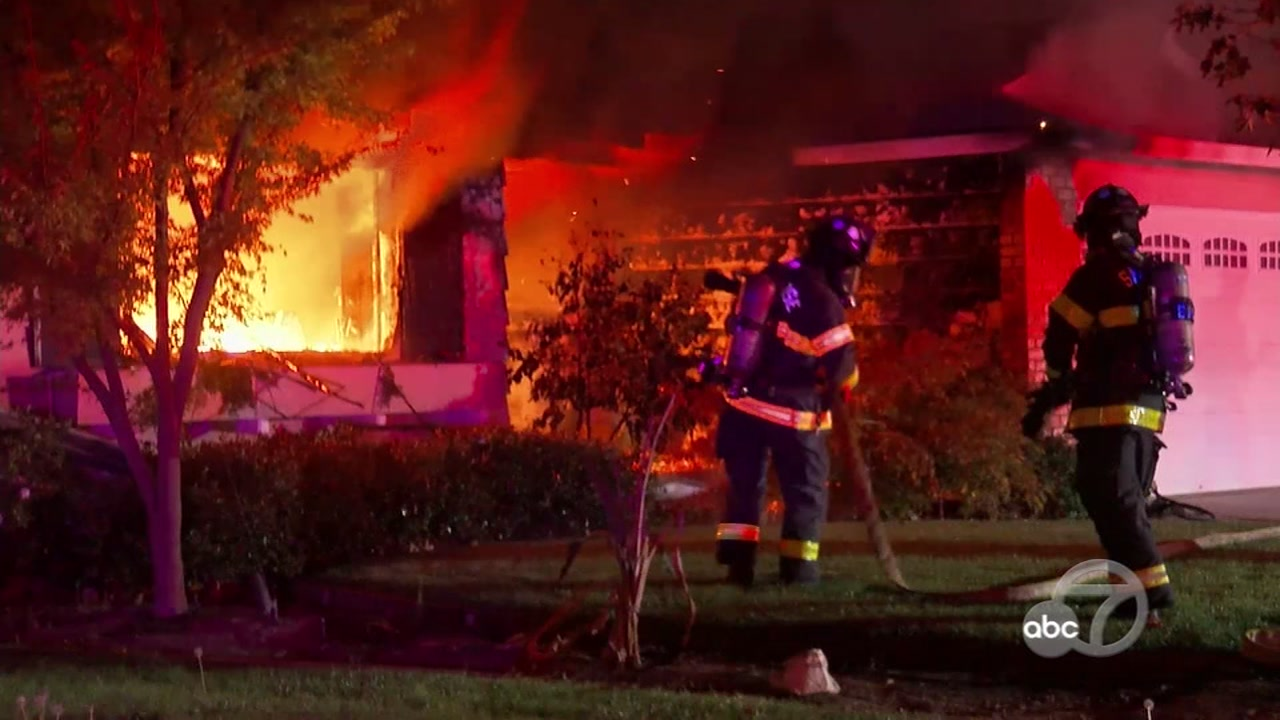 An early morning house fire rips through a home in San Jose.