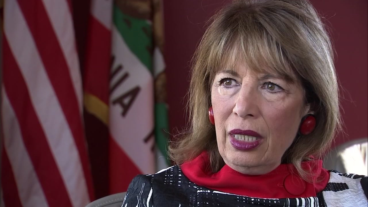 Rep. Jackie Speier, D-Calif., spoke with ABC7 News about the ongoing pipe bomb scare on Oct. 25, 2018.
