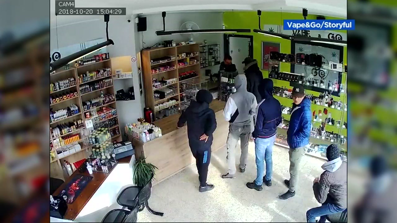 This image shows suspected robbers in Belgium.