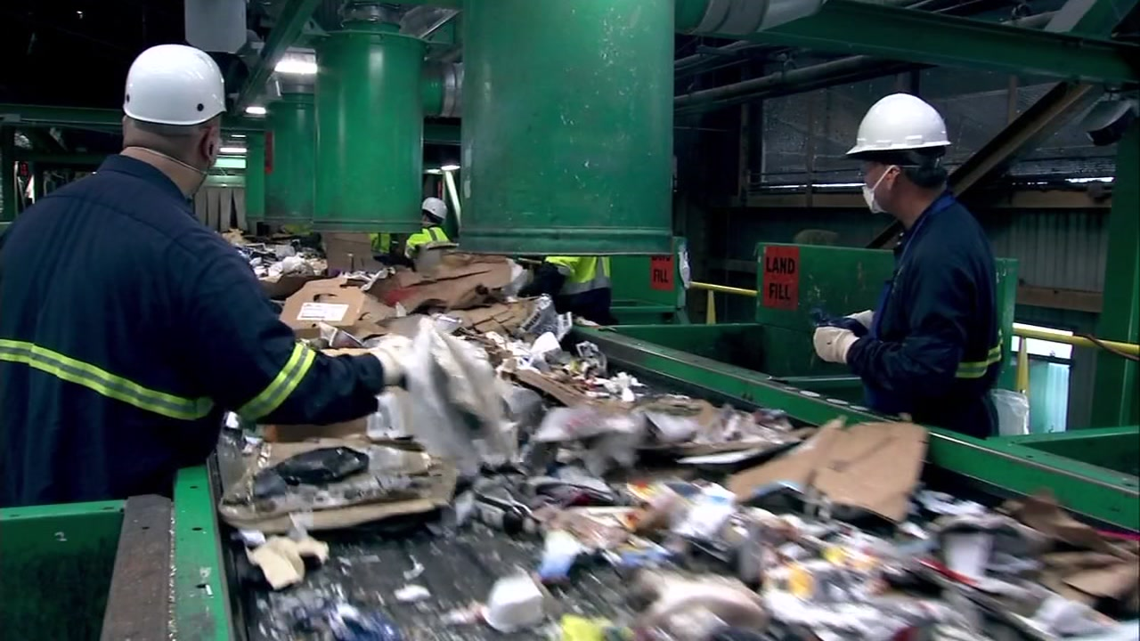 Do you know how to sort your trash? The city says hundreds of large companies and organizations in San Francisco dont.