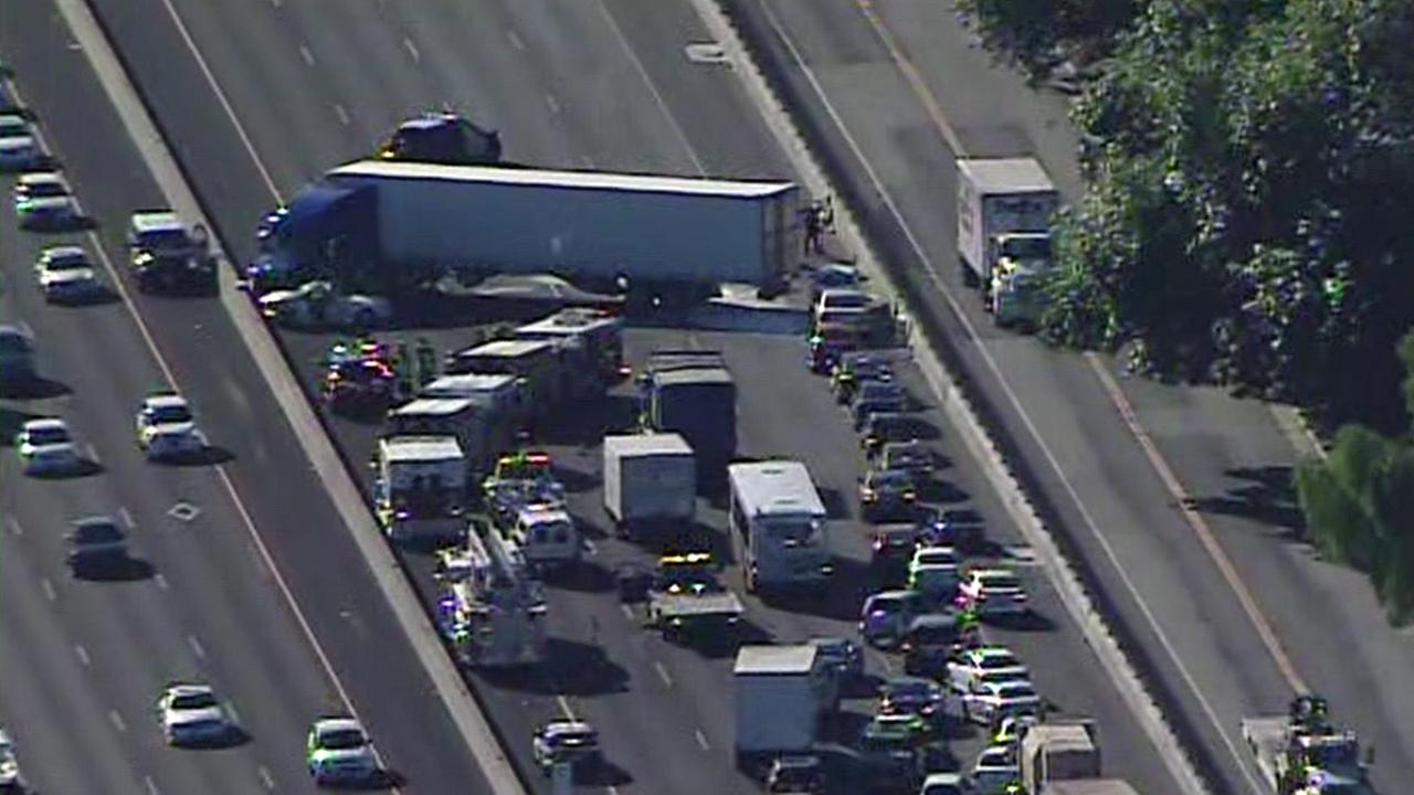 Massive backup on I-880 in San Jose from big-rig accident, Tuesday, November 3, 2015.