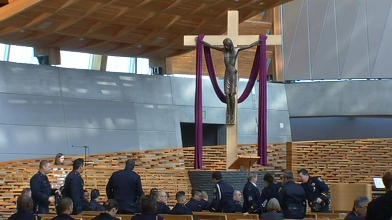 Memorial for four fallen Oakland police officers