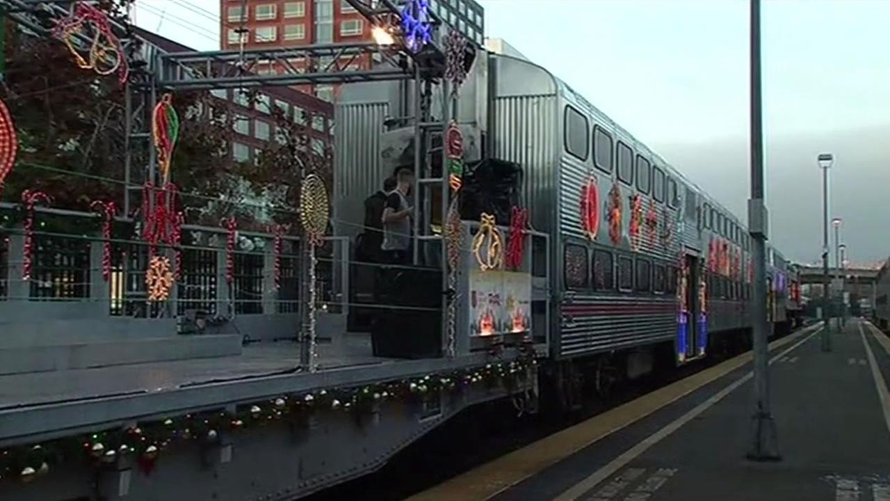 ABC7 News got a sneak preview of the Caltrain Holiday Train in San Francisco on Friday, December 4, 2015.