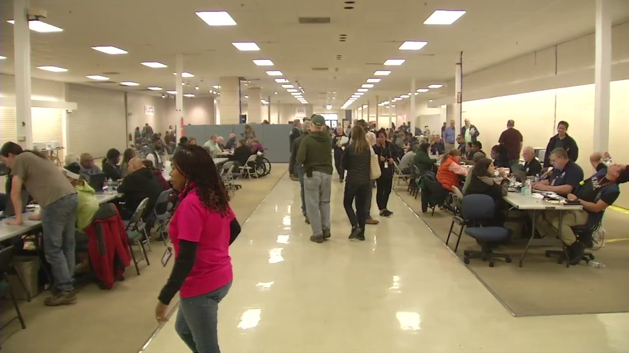 Camp Fire survivors looking for help from FEMA headed to the Chico Mall where they could apply to get federal aid.