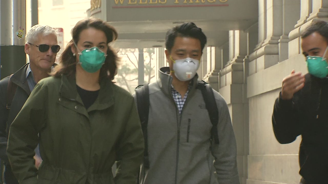 ABC7 News talks to two doctors to get to the bottom of if masks really help you during bad air quality.