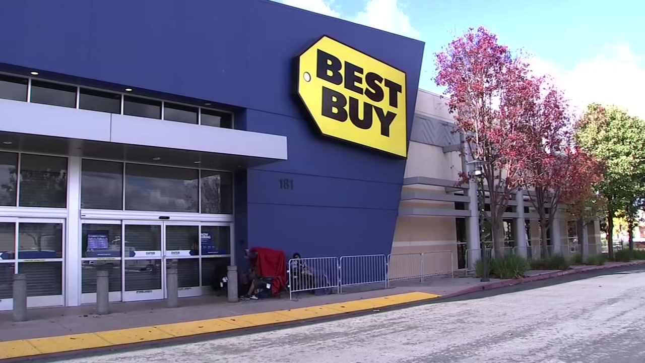 A Best Buy store is pictured in San Jose, Calif. on Thursday, Nov. 22, 2018.