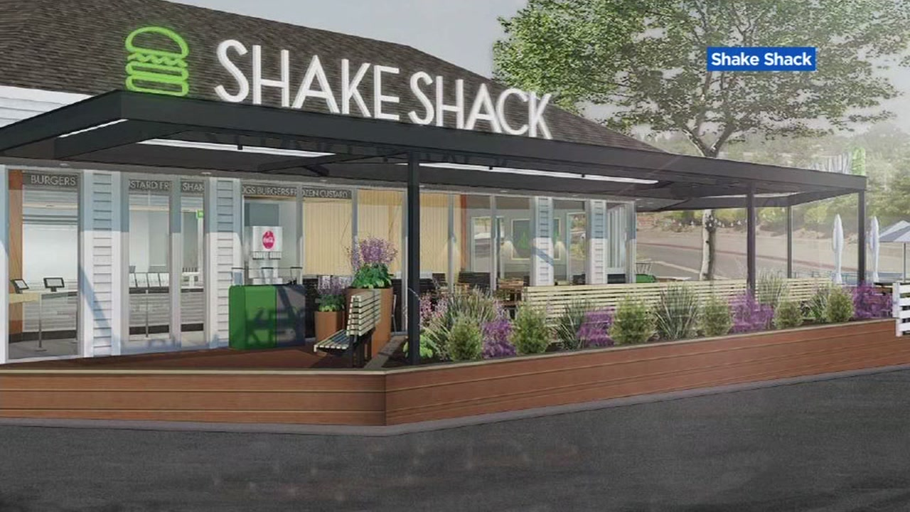 Shake Shack is shaking up its plans for its new restaurant in Palo Alto.