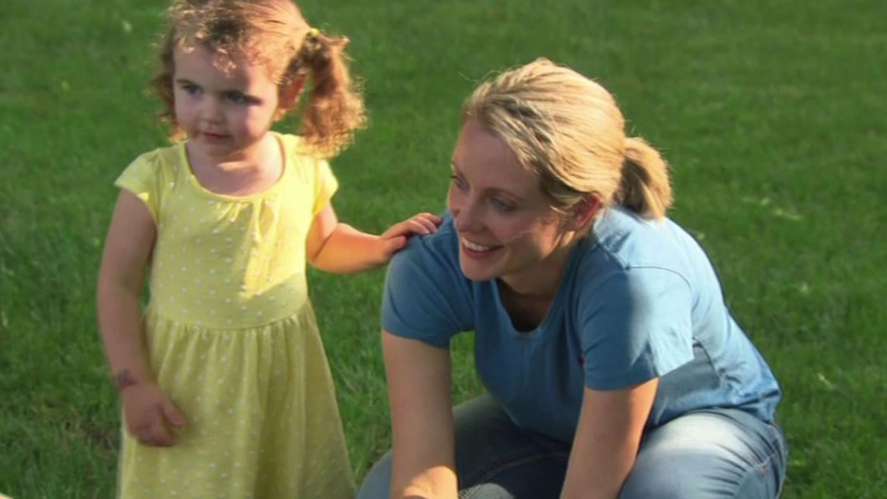 Jennifer Deveraux and her 3-year-old daughter Summers.