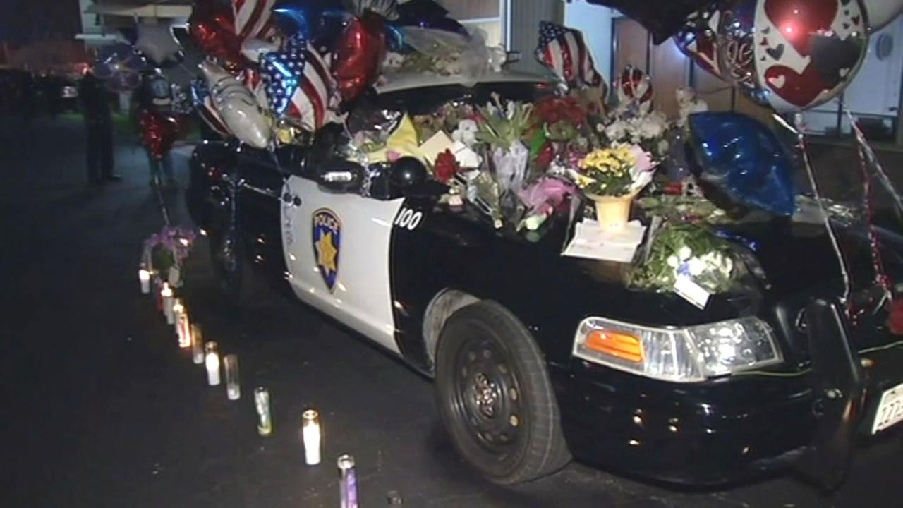 Mourners Pack Pittsburg Chapel To Honor Life Of Pittsburg Officer - Pittsburg ca car show