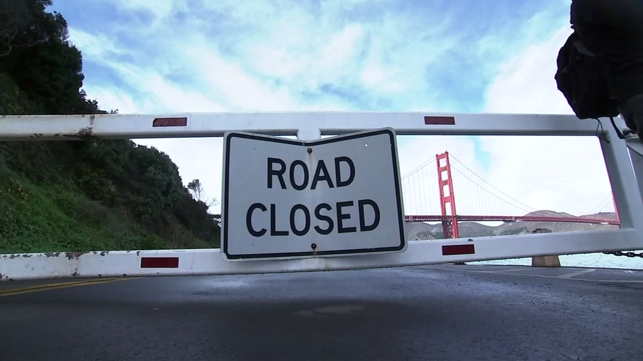 A road closed sign is pictured in front of the Golden Gate Bridge in San Francisco on Saturday, Dec. 22, 2018.