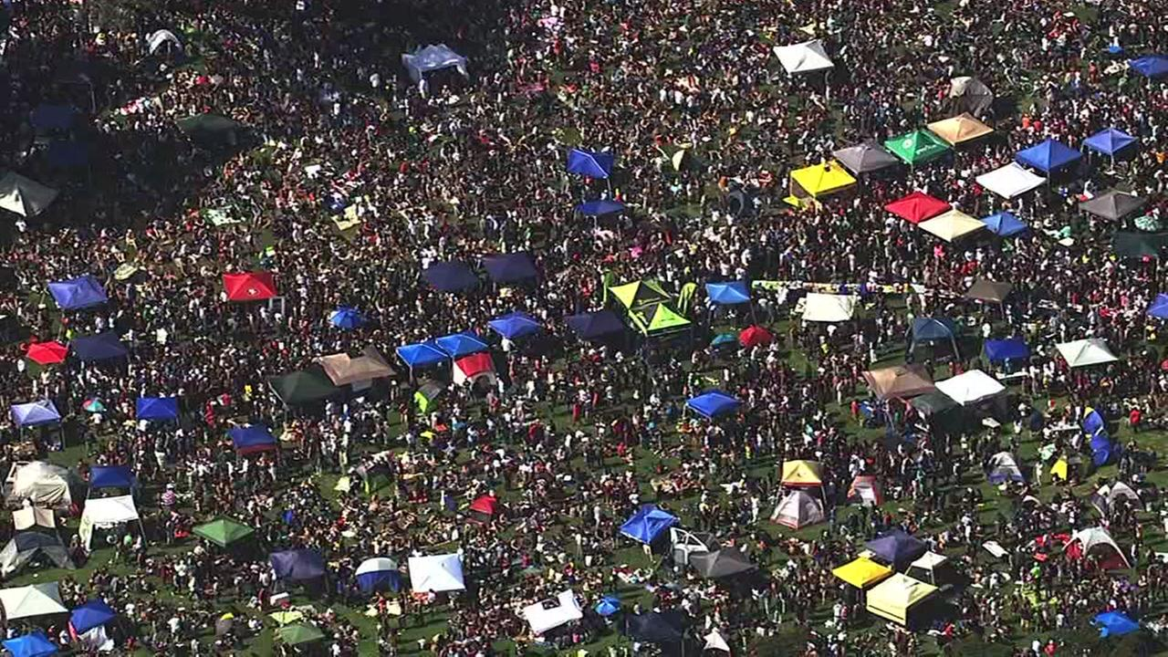 This image shows the 4/20 festival at Golden Gate Park in San Francisco April 20, 2016.