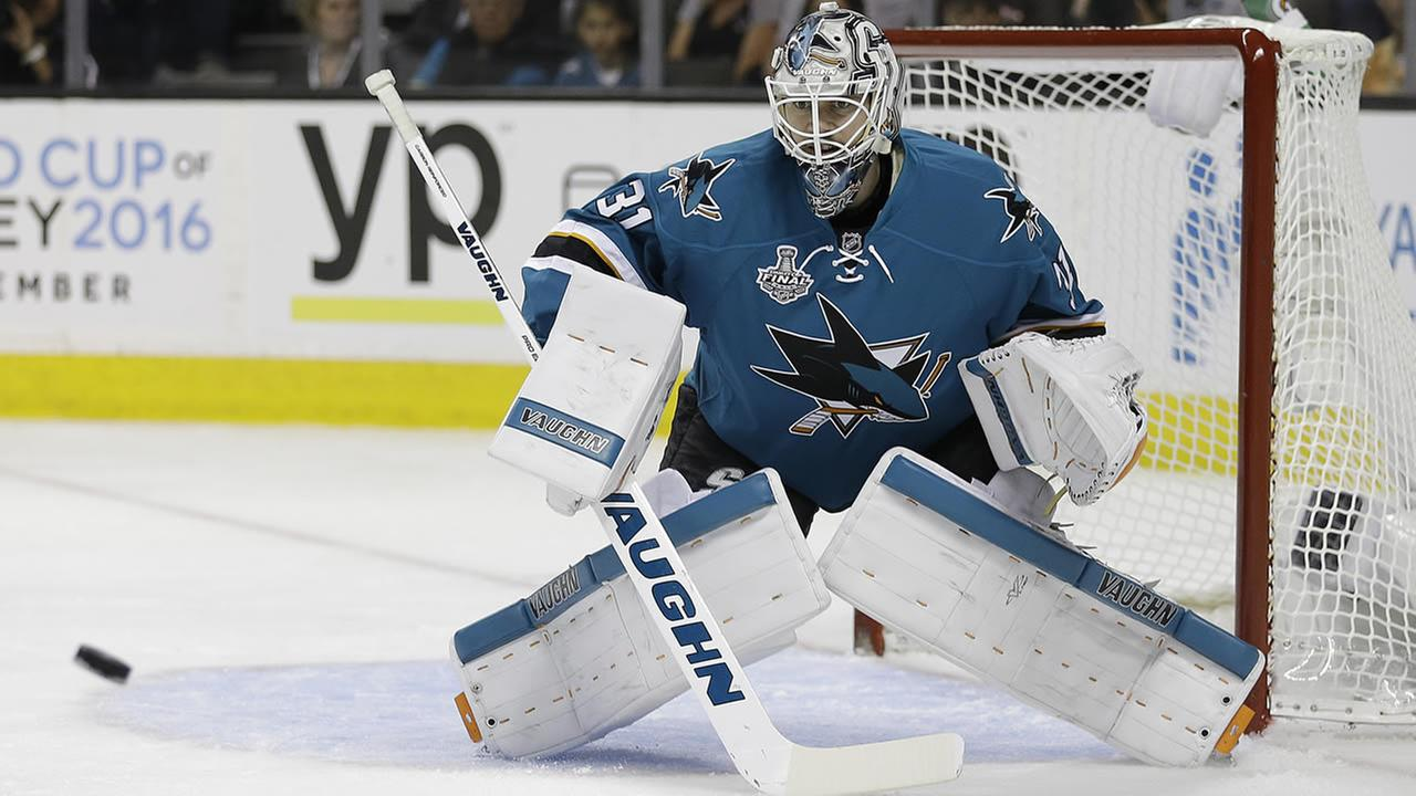 Sharks goalie Martin Jones eyes a shot from the Penguins during Game 4 of the NHL hockey Stanley Cup Finals on June 6, 2016, in San Jose, Calif. (AP Photo/Ben Margot)