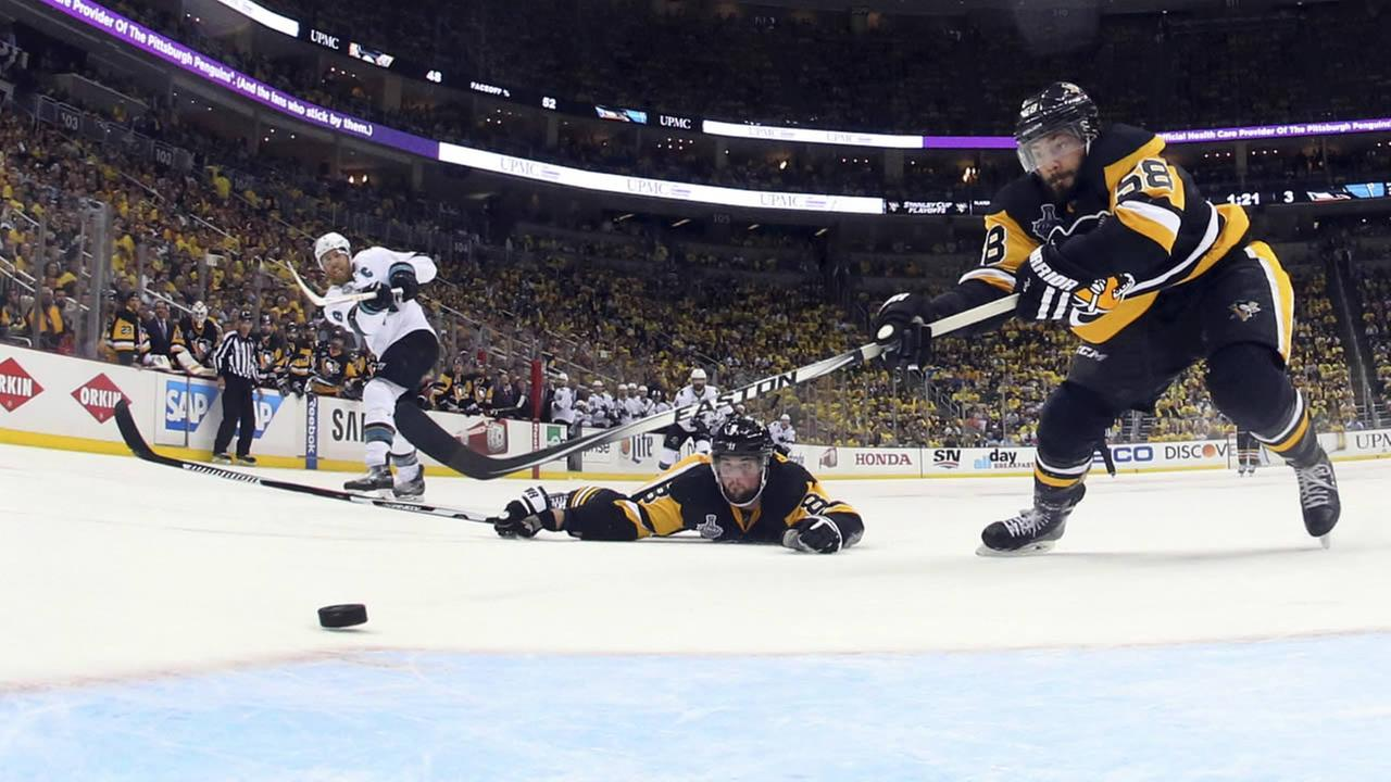 San Jose Sharks Joe Pavelski scores an empty-net goal in Game 5 of the NHL hockey Stanley Cup Finals on Thursday, June 9, 2016, in Pittsburgh.
