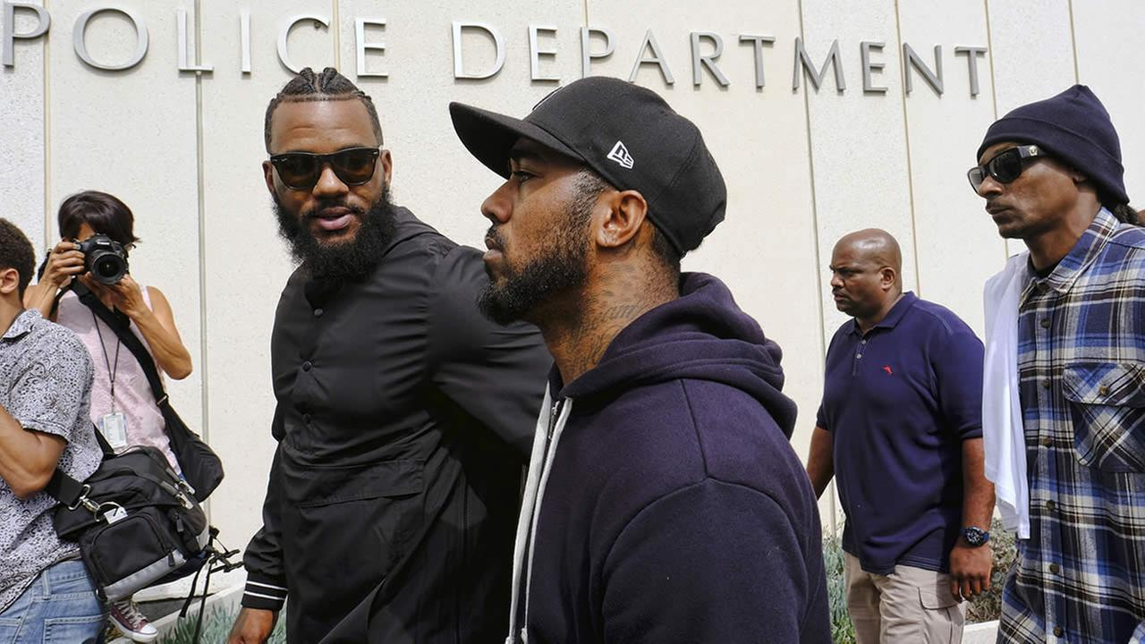 Snoop Dogg The Game Peacefully Gather With Demonstrators Outside
