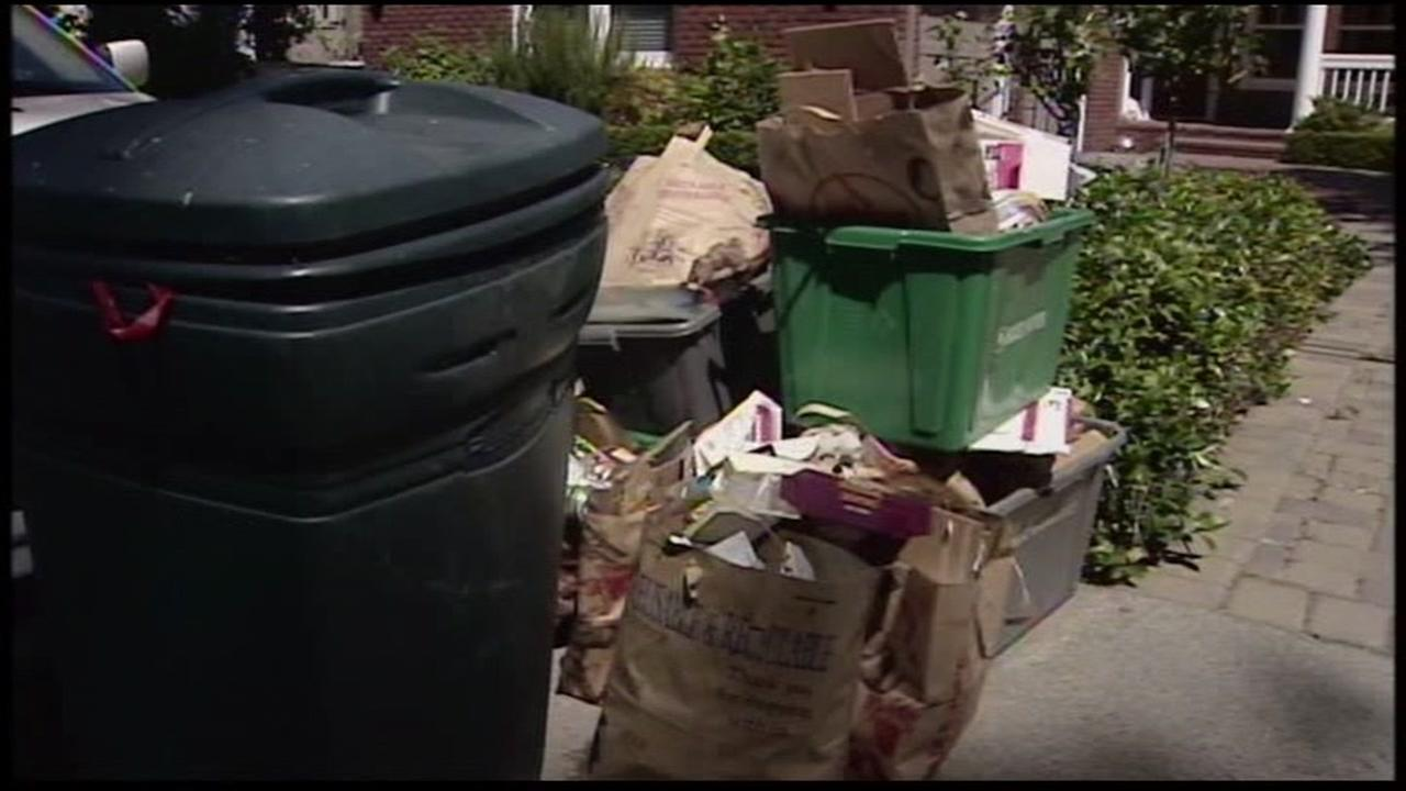 Police are warning people against leaving boxes from expensive holiday gifts out on the curb.