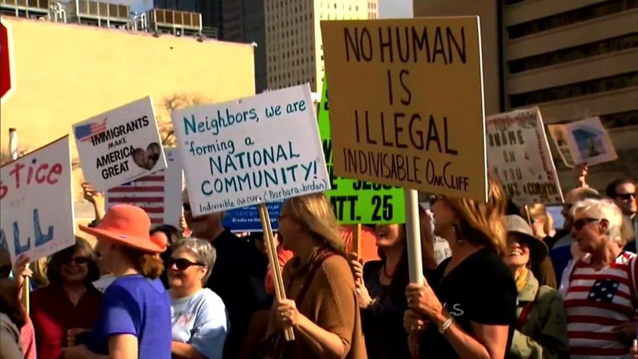 Desperate immigrants risk perilous winter trek to Canada through US