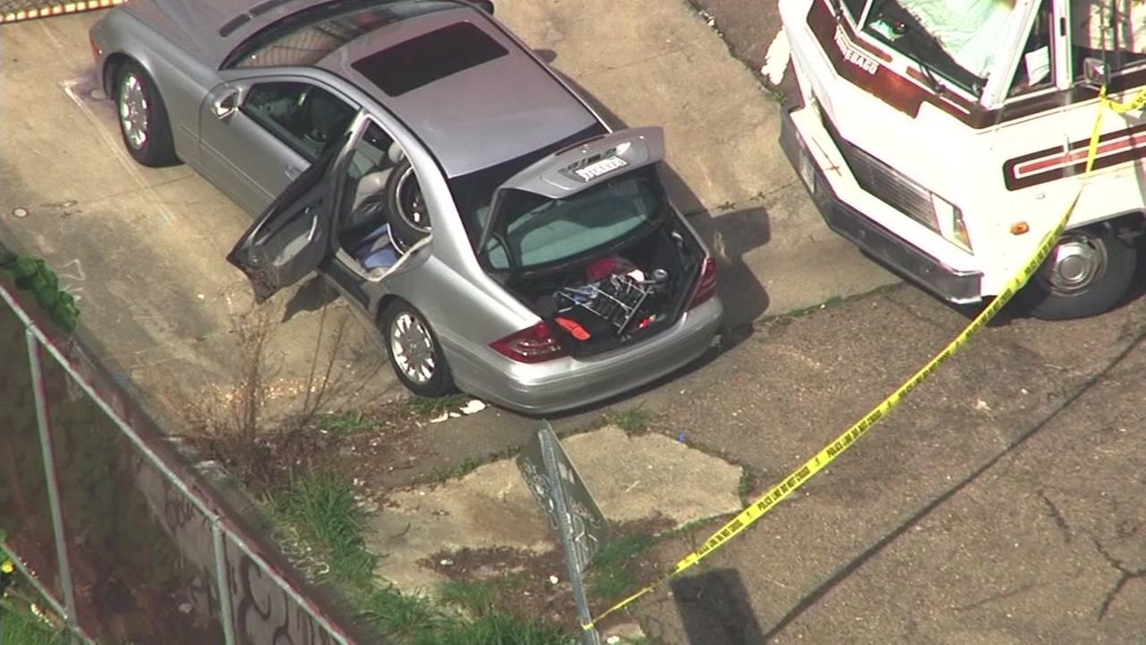 Police investigate potential suspect vehicle in Berkeley, Calif. on Tuesday, March 7, 2017.