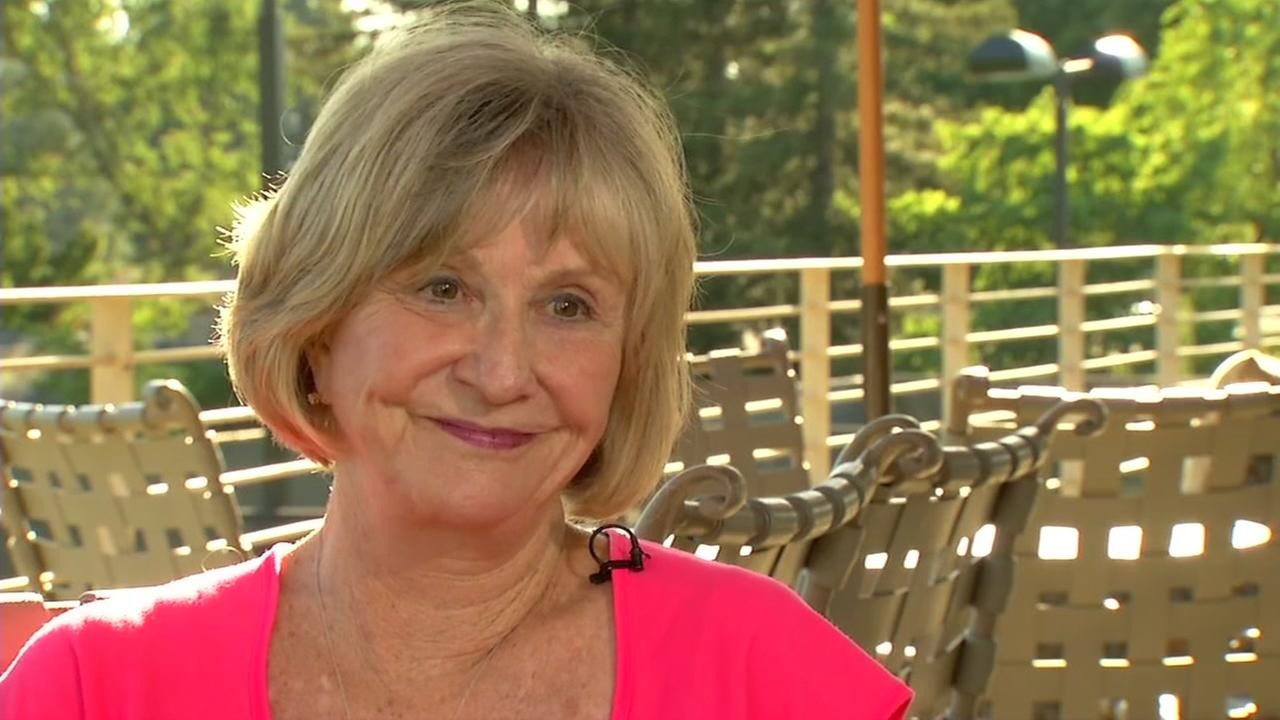 Susan Anderson talks about her daughter, who saved a passengers life on a flight from Oakland, Calif. to Chicago. She was interviewed by ABC7 News on June 23, 2017.
