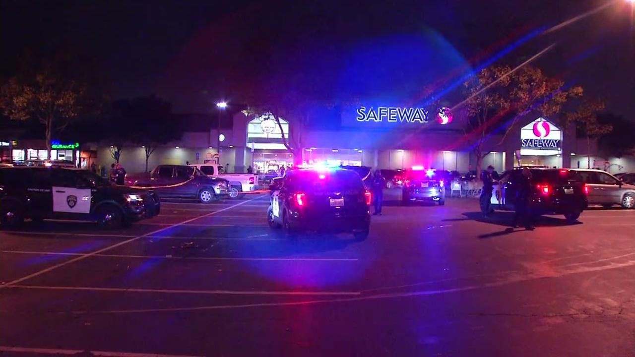 2 San Leandro police officers run over during alleged robbery at Safeway