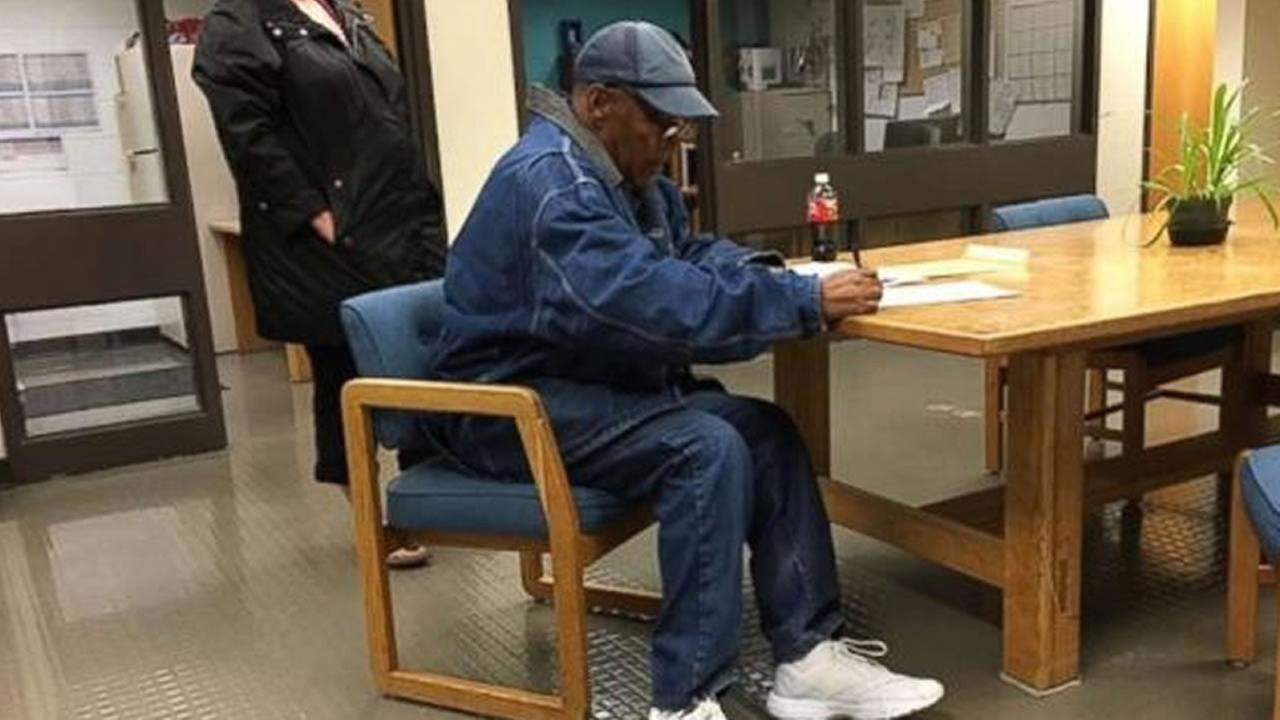 OJ Simpson released from prison after serving 9 years for Vegas robbery