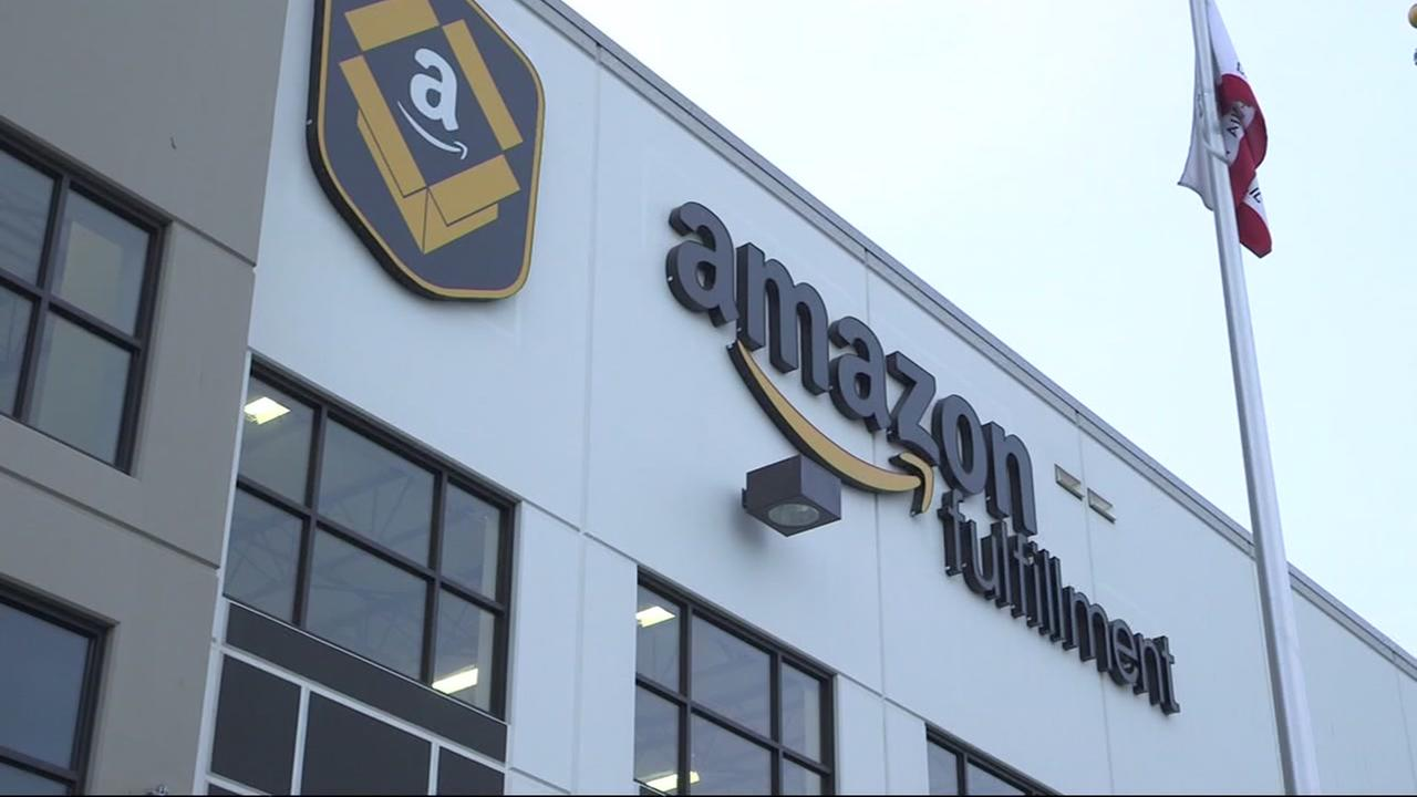 This is an undated image of an Amazon delivery center.