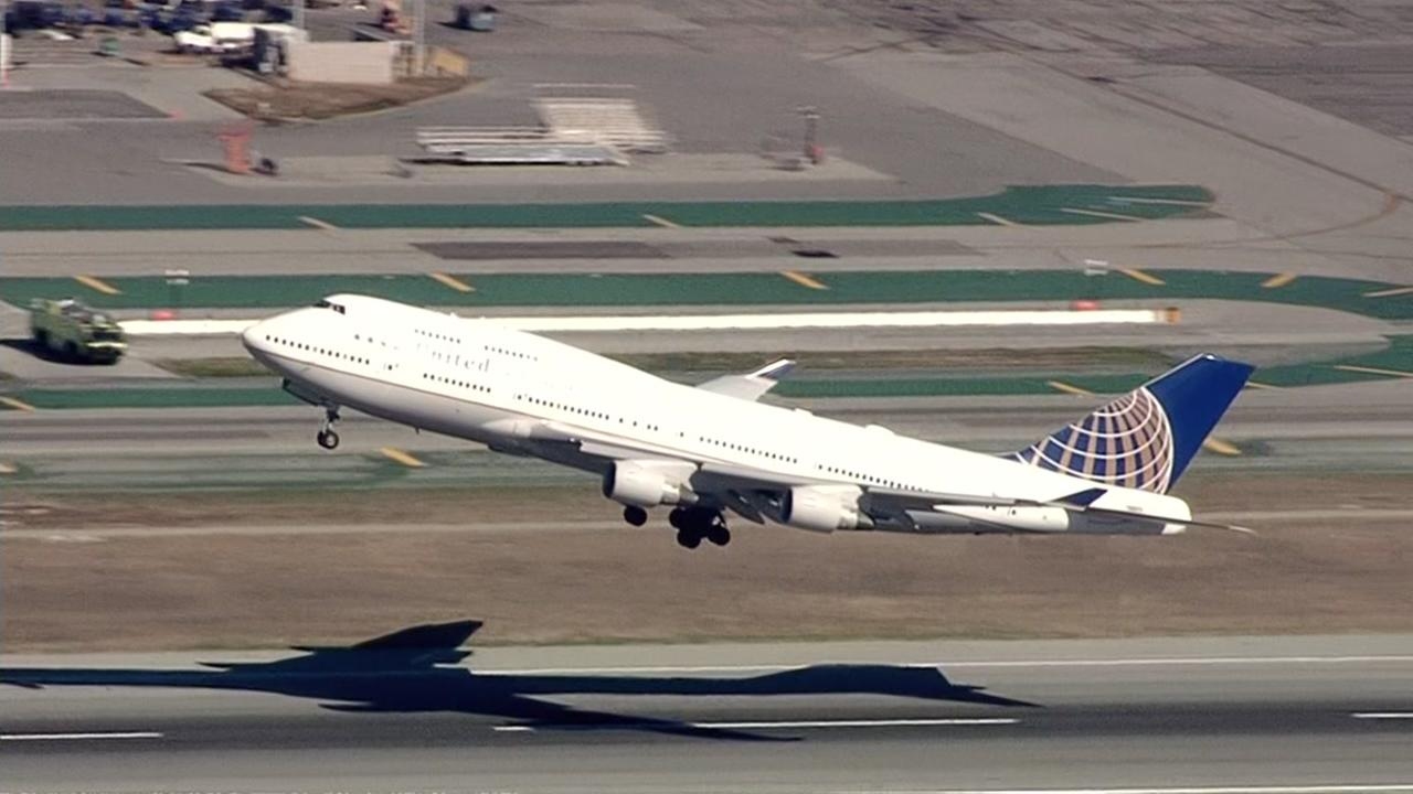 United Flight 8418 takes off from SFO on Tuesday, Nov. 7, 2017.