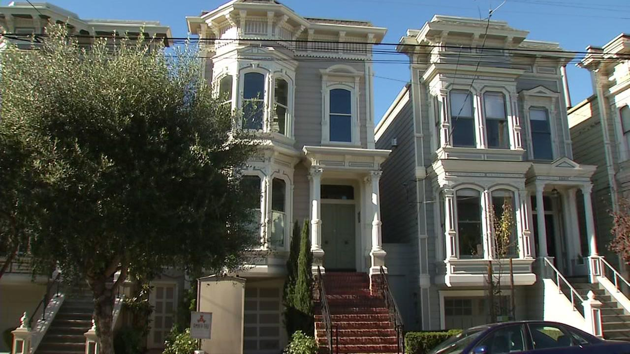 This is an undated image of the San Francisco home used in Full House.