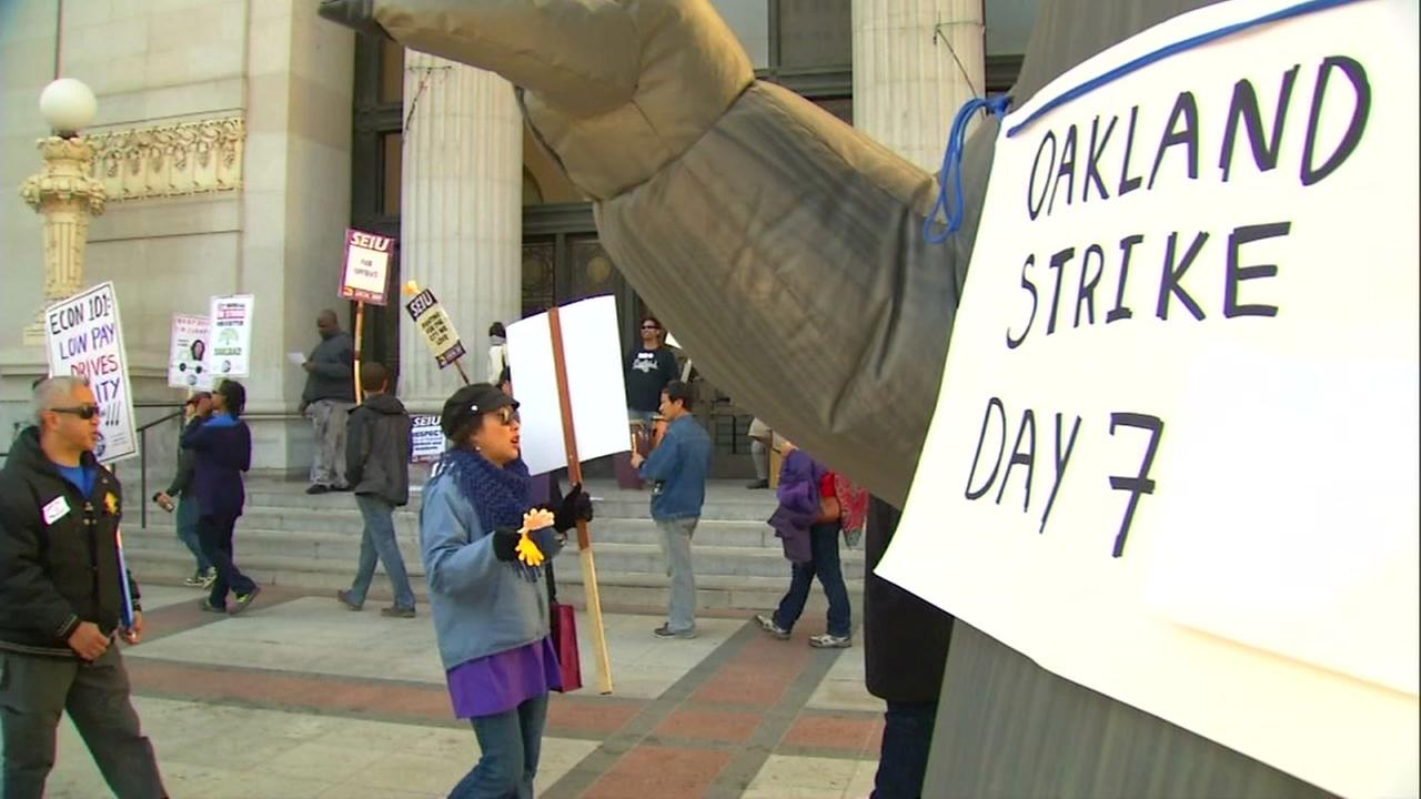 Oakland city workers strike for a seventh day on Monday, Dec. 11, 2017.