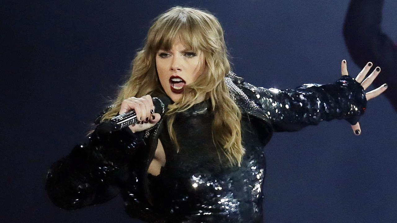 Taylor Swift performs during the Reputation Stadium Tour opener at University of Phoenix Stadium on Tuesday, May 8, 2018, in Glendale, Ariz.