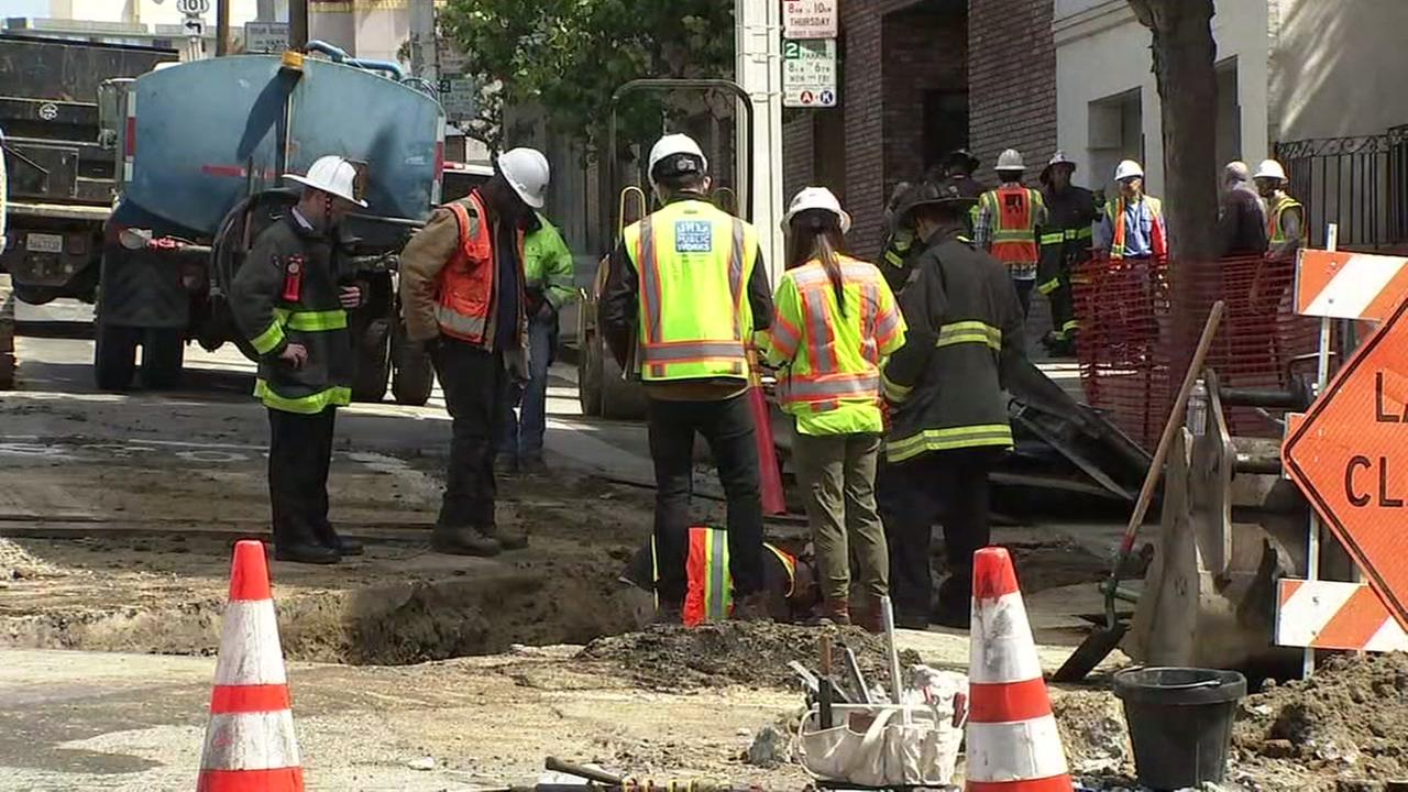PG&E crews work to cap a gas leak in San Francisco on Monday, June 18, 2018.