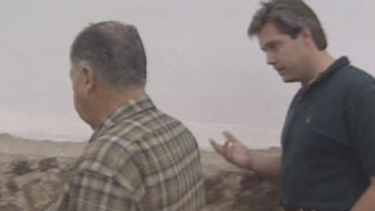 Dan Noyes confronts a priest in Mexico, November 1994.